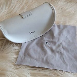 💞DIOR💞sunglasses case with cleaning cloth